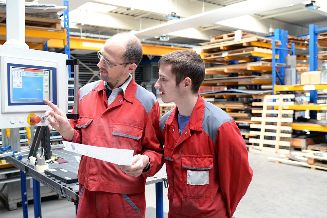 Bridging the Manufacturing Skills Gap on the Plant Floor